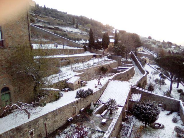 Neve a Cortona durante il tempo di Coronavirus